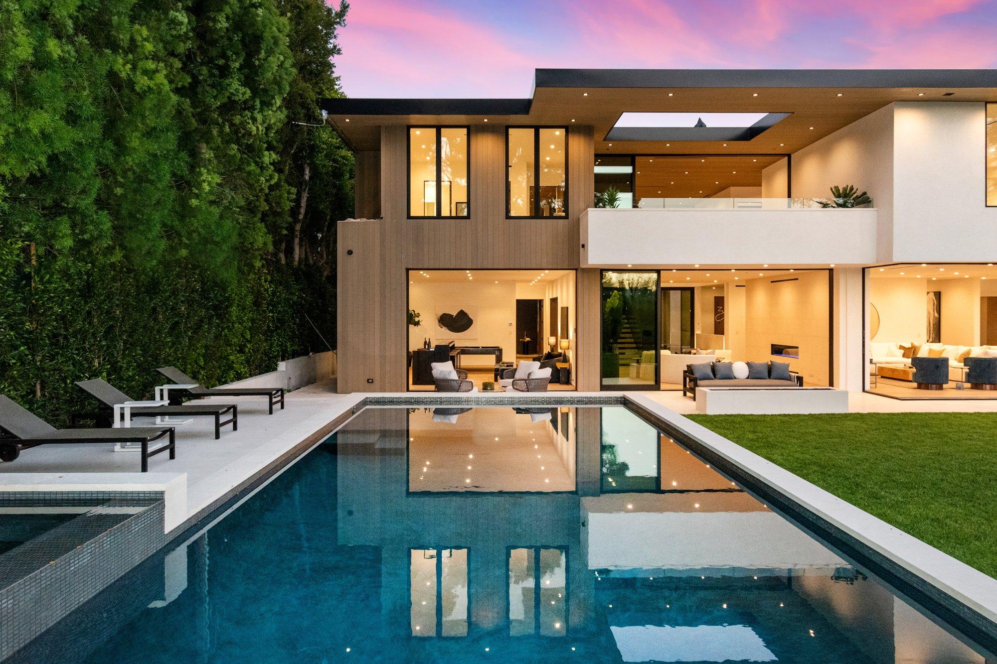 215 N Saltair Ave, Los Angeles, CA, 90049