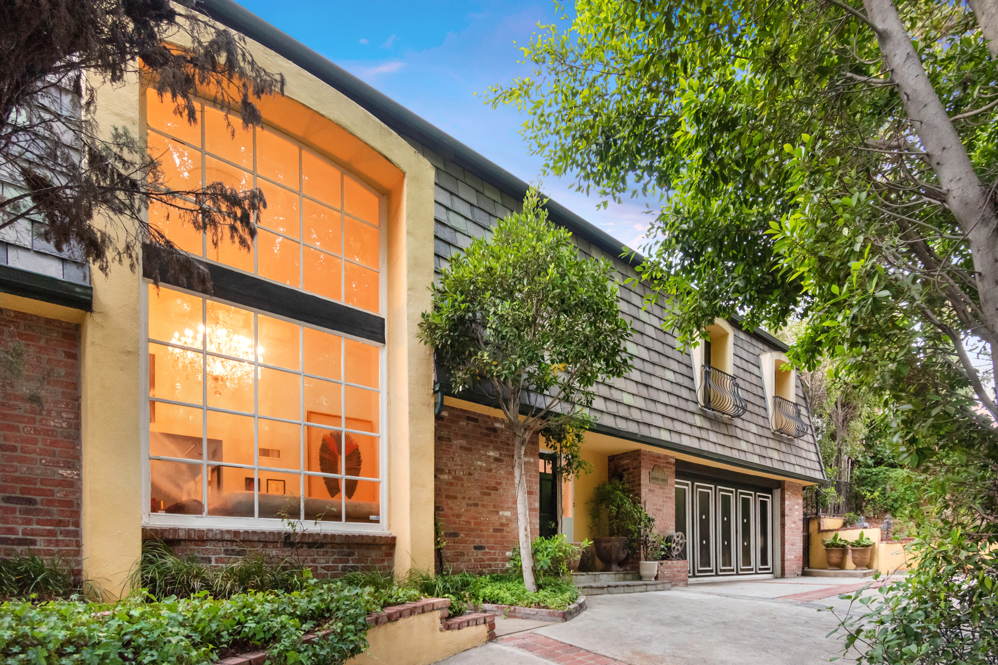 2451 Coldwater Canyon Dr, Beverly Hills, CA, 90210