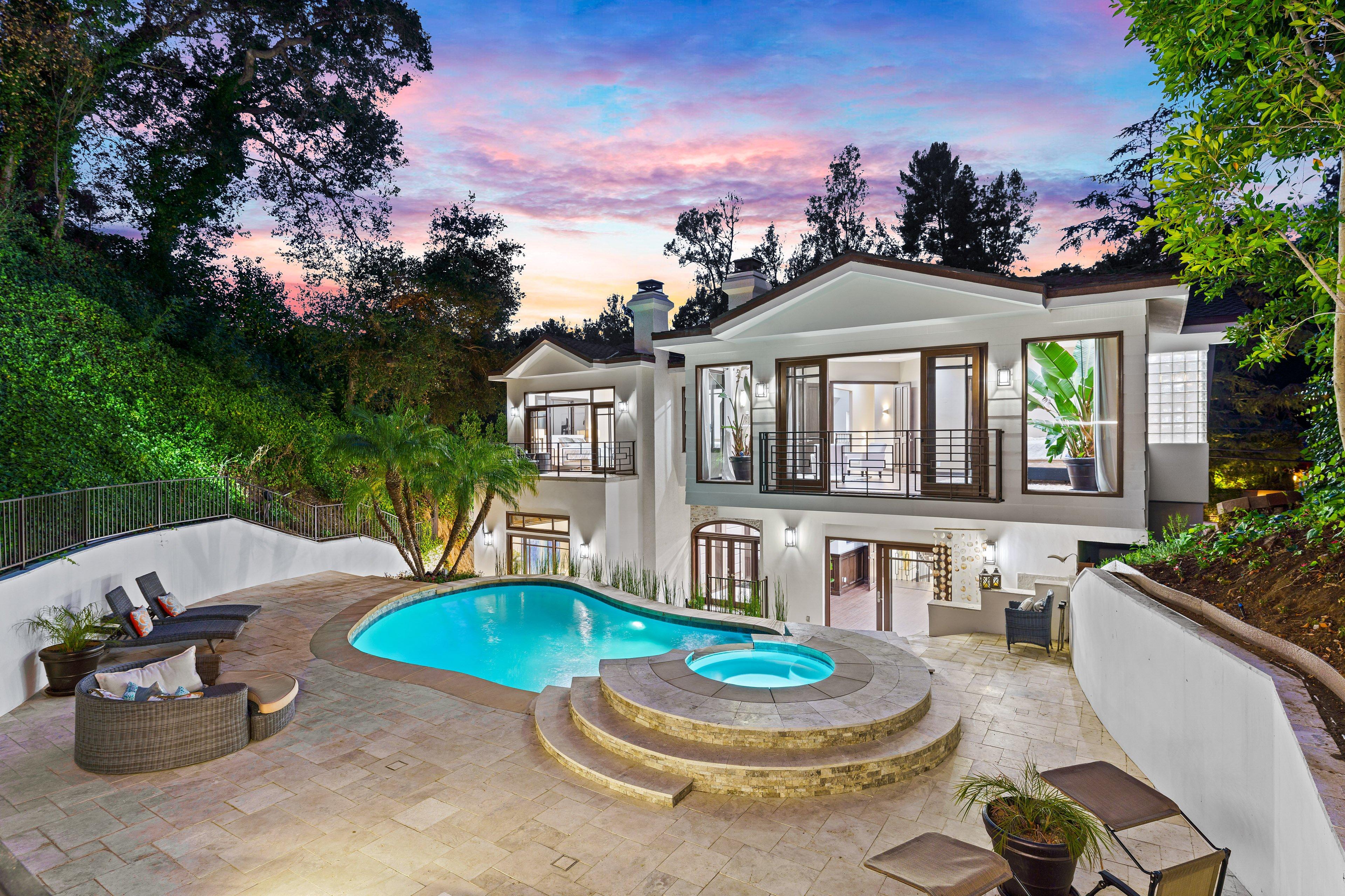 2650 Hutton Dr, Beverly Hills, CA 90210