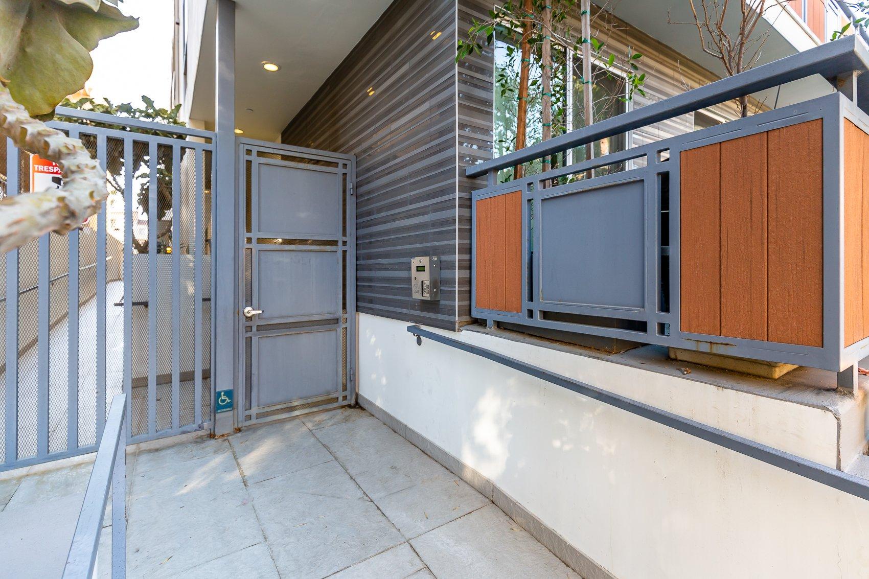 11715 Goshen Avenue #203 Slide - 6